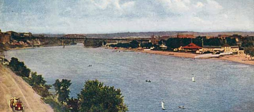 : Postcard view of Harriet Island and public baths/swimming beach, first decade of the 20th century.